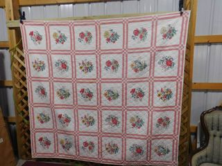 Floral quilt 80 in X 88 in