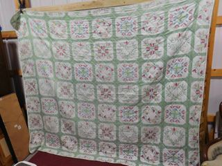 Quilted comforter 88 in X 103 in