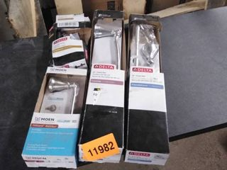 delta and moen bathroom items 4 boxes