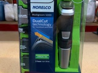 Philips Norelco Multigroom 5000   Face  Head  Body   All in One