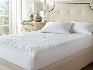 Stearns   Foster Total Protection Mattress Protector  White  King