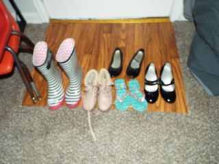 lot of 4 pair of various girl shoe s and 1  pair of women s rain boot s