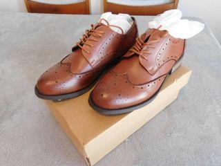 Brand new Jivana women s casual  oxford lace up shoe s  size 8 5