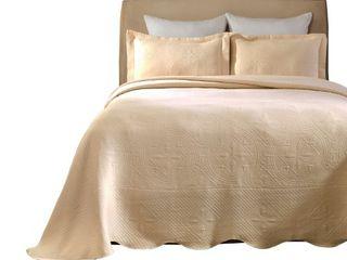 Impressions 100 Percent Cotton Celtic Circle Scalloped Matelasse Bedspread  King  Ivory