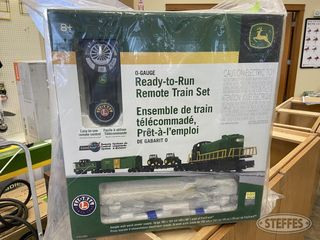 John Deere 0 Gauge Ready to Run Remote Train Set 2 jpg