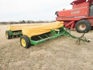 JOHN DEERE 8350 GRAIN DRIllS