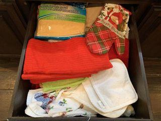 Kitchen Towels  Washcloths  Potholders  etc