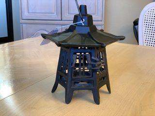 Pagoda Iron lantern
