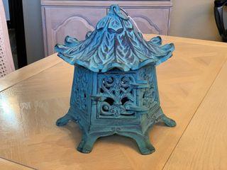 Round Pagoda Iron lantern