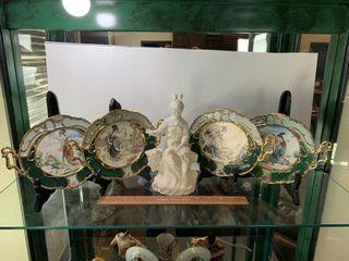 4   Bradex Decorative Plates   Figurine