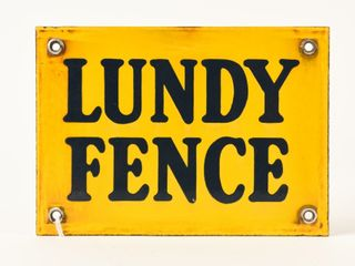 lUNDY FENCE SSP SIGN