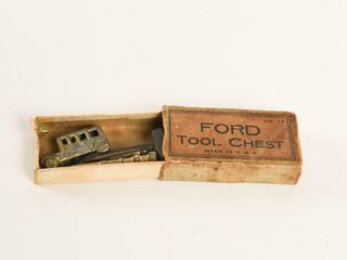 RARE EARlY FORD U S  TOOl CHEST NO  13