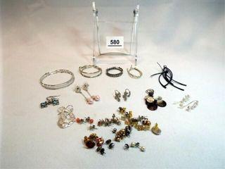 Earrings   Pierced   15  pairs