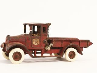 ARCADE INTERNATIONAl CAST IRON DUMP TRUCK