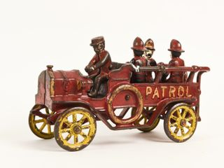 CAST IRON HORSE DRAWN PATROl TRUCK  3 MEN   DRIVER