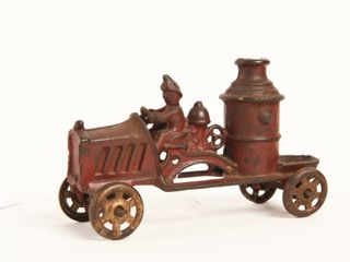 EARlY CAST IRON FIRE TRUCK