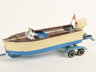WOODEN BOAT   JOHNSON MOTOR   TRAIlER