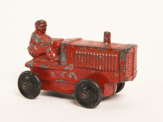 WHITE METAl TRACTOR   SlUSH MOlD