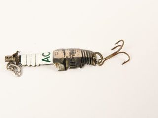 AC SPARK PlUG FISHING lURE