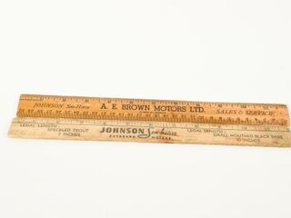lOT OF 2 JOHNSON SEAHORSE WOODEN RUlERS