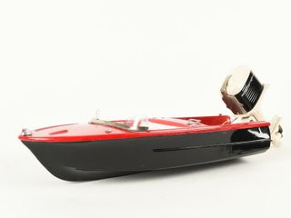FlEETlINE PlASTIC BATTERY OPERATED RUNABOUT BOAT