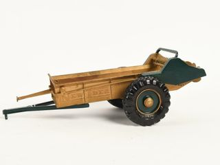NEW IDEA MANURE SPREADER REPlICA   NO BOX