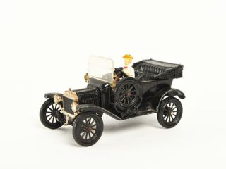 CORGI ClASSIC 1918 MODEl T REPlICA   NO BOX