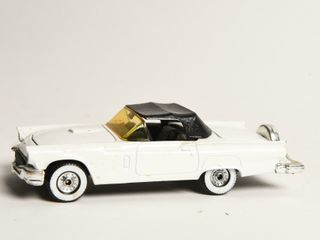 CORGI 1956 FORD THUNDERBIRD REPlICA   NO BOX
