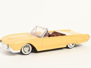 SOlIDO 1961 FORD THUNDERBIRD REPlICA   NO BOX