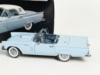 57 FORD THUNDERBIRD PRECISION REPlICA   BOX