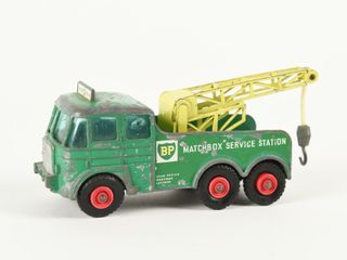 MATCHBOX BP SERVICE STATION TOW TRUCK