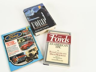 lOT OF 3 FORD COllECTOR BOOKS