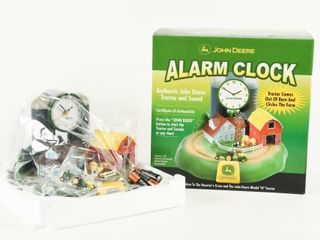 JOHN DEERE AlARM ClOCK WITH TRACTOR SOUND   BOX