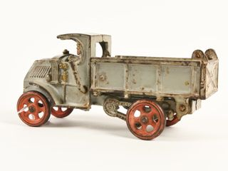HUBlEY EARlY MACK CAST IRON DUMP TRUCK