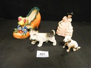 Figurines Shoe  Dogs Made in Japan