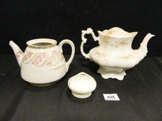 Teapots  1 w broken lid