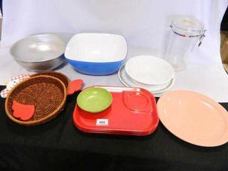 Corelle Bowl   Plate  Plastic Ware