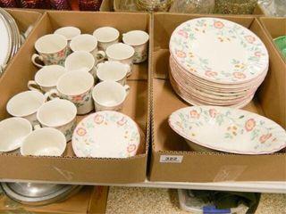 Churchill Dinnerware Set   41  Pieces