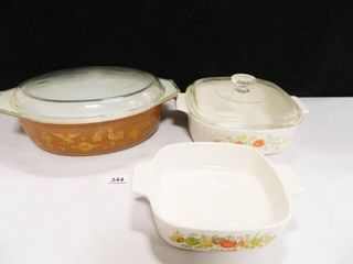 Pyrex Oblong Dish w lid