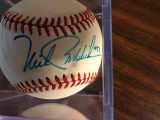 Signe Mike Boddicker Baseball In Acrylic Holder