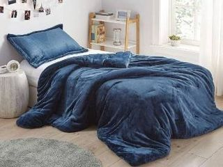 Nightfall Navy   King  Coma Inducer Oversized Comforter   Me Sooo Comfy   Nightfall Navy Retail 149 99