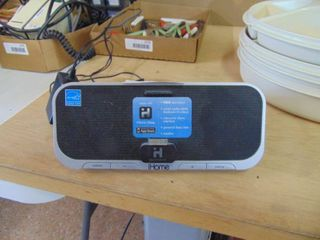 Ihome speaker   for older style Iphone