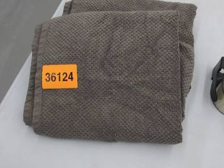 2 gray bath towels