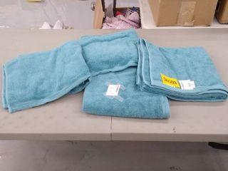 4 aqua wave bath towels