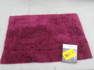 Bathroom rug 17in x 24 in