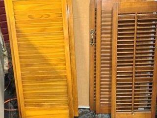 lot of 6 wood shutters