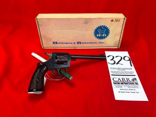 H R 900  22lR  SN AE4429  As New w Box  Handgun