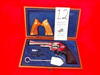 S W M 29 3  Nickel  44 Magnum  6  Bbl  w Wood Grips  Box   Wood Case  SN N888022  Handgun