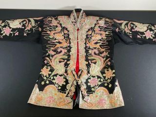 SIlK BIRDS   DRAGONS DECORATED ROBE