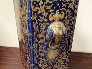 GOlD GIlT BlUE GlAZE ElEPHANT HANDlE CHINESE VASE